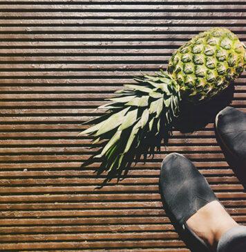 Czarne tenisówki: uniwersalne buty, które pasują do wszystkiego